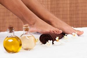 Domowe SPA: Ból nóg w upalne dni - pomoże aromaterapia [© apops - Fotolia.com]