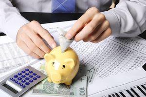 Domowe finanse pod kontrolą - jak oszczędzać? [© dundersztyc - Fotolia.com]