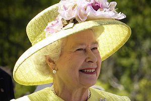 Donatella Versace: królowa Elżbieta II jest ikoną mody [Elżbieta II, fot. Bill Ingalls / NASA. PD]