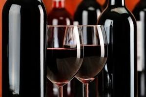 Dwa kieliszki wina dziennie pomocne po zawale? [© monticellllo - Fotolia.com]