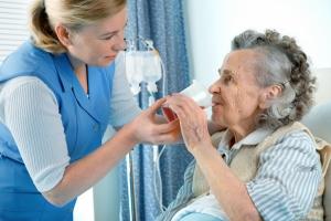 Dysfagia: problemy z przełykaniem [Fot. Alexander Raths - Fotolia.com]