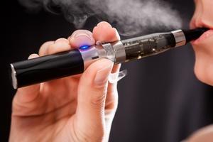 E-papierosy nie pomagają rzucić palenia? [© Artur Marciniec - Fotolia.com]