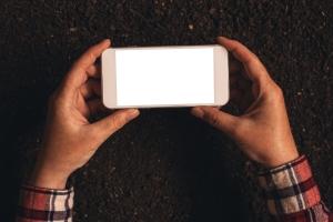 Ekrany smartfonów i tabletów: niebezpieczne niebieskie światło [Fot. Bits and Splits - Fotolia.com]