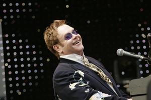 Elton John i George Clooney bojkotują hotele sułtana Brunei [Elton John fot. Universal Music Poland]