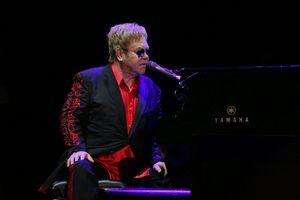 Elton John kończy z koncertami - za trzy lata [Elton John, fot. Mustafa Doğan Özçelik, CC BY-SA 4.0, Wikimedia Commons]