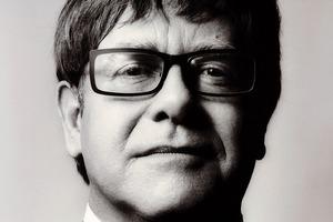 Elton John trafił na intensywną terapię. Odwołuje koncerty [Elton John fot. Universal Music Polska]