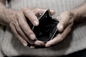 Emeryci zagrożeni ubóstwem i wykluczeniem społecznym [Fot. Stanislau_V - Fotolia.com]