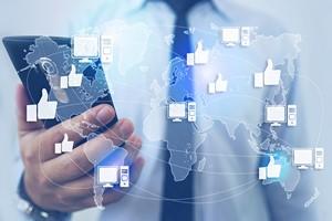 Facebook pod lupą UOKiK. Chodzi o zbieranie danych użytkowników [Media społecznościowe, © natanaelginting - Fotolia.com]
