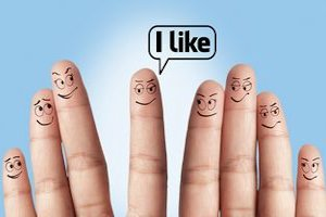 Facebook pomaga... myśleć! [© flydragon - Fotolia.com]