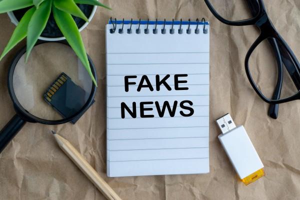 Fake newsy: styka się z nimi większość Polaków [Fot. instagram.com/_alfil - Fotolia.com]