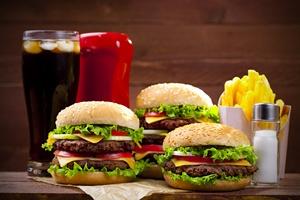 Fast-food prowadzi do depresji [© gkrphoto - Fotolia.com]