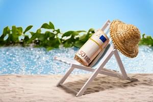 Finanse: o czym warto pami�ta�, wyje�d�aj�c na wakacje [© Manuel Findeis - Fotolia.com]