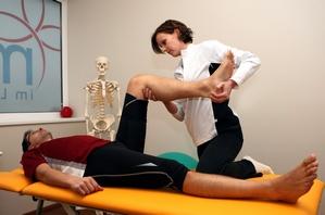 Fizjoterapia - poczuj się młodo i zdrowo [© Walter Luger - Fotolia.com]