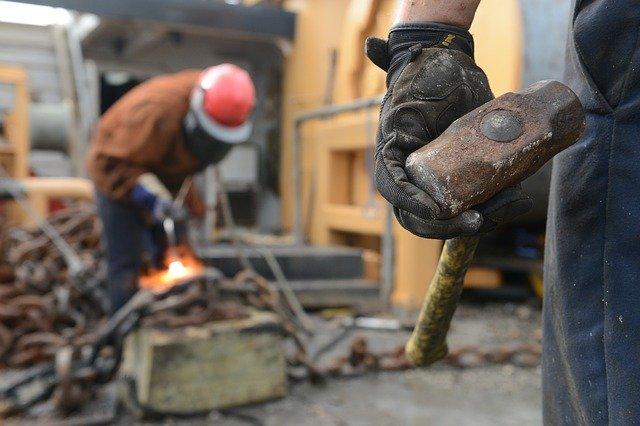 Fizyczny stres w pracy oznacza problemy poznawcze na starość [fot. skeeze from Pixabay]