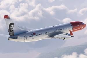 Freddie Mercury na samolotach norweskich linii [fot. Norwegian]