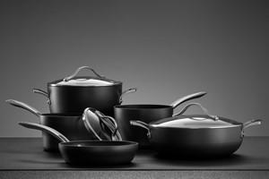 Garnek garnkowi nierówny. Jak wybrać najważniejsze naczynia w kuchni?  [© Dmitry Ersler - Fotolia.com]