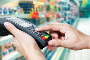 Gdzie Polacy najchętniej płacą kartą kredytową? [Fot. Piotr Adamowicz - Fotolia.com]