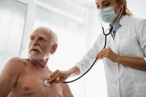 Gdzie do lekarza w okresie świątecznym? [Fot. YakobchukOlena - Fotolia.com]