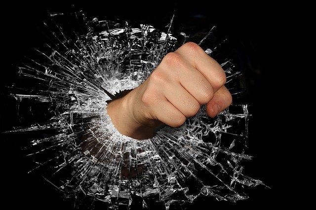 Gniew zwiększa motywację uzyskania czegoś [fot. wendy CORNIQUET from Pixabay]