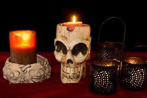Halloween i Święto Zmarłych na świecie [© cvalle - Fotolia.com]