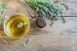 Herbata dobra na stres. Z jakimi ziołami najlepiej ją łączyć? [Fot. mizina - Fotolia.com]