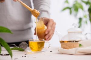 Herbata na słodko. Niekoniecznie z cukrem [Fot. makistock - Fotolia.com]