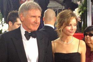 Hollywood: dojrzali aktorzy preferują znacznie młodsze kobiety [Harrison Ford i Calista Flockhart, fot. Jenn Deering Davis, CC BY 2.0, Wikimedia Commons]