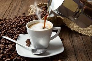 Ile filiżanek kawy sprzyja zdrowiu? Nawet do 5 dziennie  [© Lsantilli - Fotolia.com]