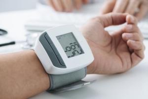 Im wcześniej masz nadciśnienie, tym szybciej grożą ci udary [Fot. nito - Fotolia.com]