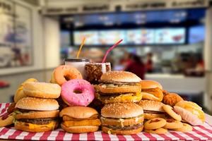Im więcej jesz, tym żołądek chce więcej... [© hin255 - Fotolia.com]