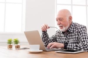 Internet nie dla osób starszych? [Fot. Prostock-studio - Fotolia.com]