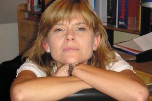 Izabela Pietrzyk: szukam szczęścia w nieszczęściu [Izabela Pietrzyk, fot. Prószyński]