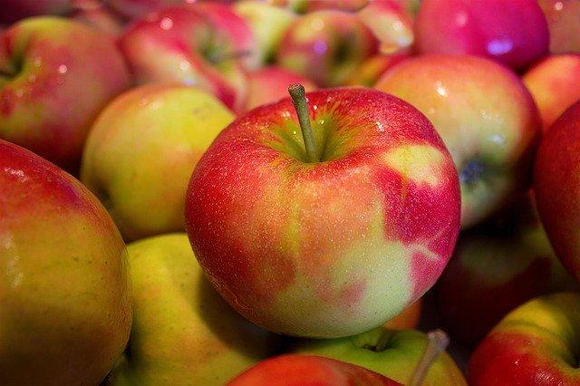 Jabłka mogą przedłużyć życie? [fot. Marco Roosink from Pixabay]
