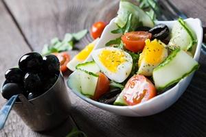 Jaja - niezb�dny dodatek do sa�atek. Zobacz, dlaczego [©  ruslan_100 - Fotolia.com]