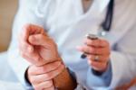 Jak Polacy korzystają ze świadczeń zdrowotnych? [© Yuri Arcurs - Fotolia.com]