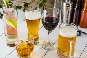 Jak alkohol wpływa na mózg [Fot. Dreamers - Fotolia.com]