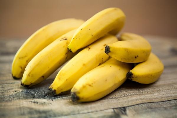 Jak banany mogą pomóc stracić na wadze [fot. Gabriela Sanda from Pixabay]