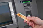 Jak bezpiecznie korzystać z karty bankowej? [© meryll - Fotolia.com]