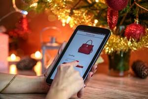 Jak bezpiecznie kupić prezenty w Internecie [Zakupy online, © WDnet Studio - Fotolia.com]