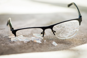 Jak często należy wymieniać okulary? [Fot. dimasobko - Fotolia.com]