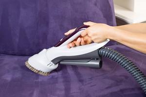 Jak czy�ci� meble tapicerowane? [© tab62 - Fotolia.com]
