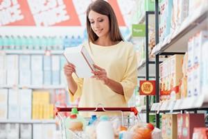 Jak czytać etykiety na produktach spożywczych? [© stokkete - Fotolia.com]