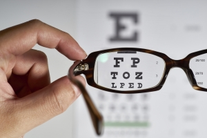 Jak dbać o oczy w wieku dojrzałym? [Fot. hankimage9 - Fotolia.com]