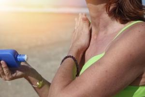 Jak dbać o skórę podczas ekspozycji na słońce? [Fot. mariesacha - Fotolia.com]