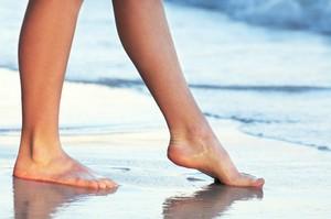 Jak dbać o stopy, aby były piękne i zdrowe? [© Elenathewise - Fotolia.com]