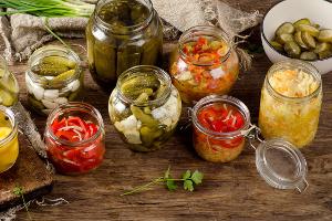 Jak dbać o zdrowie seniora? Pamiętaj o probiotykach w diecie [Fot. bit24 - Fotolia.com]