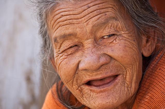 Jak długo można żyć? XXI wiek ma być rekordowy [fot. Nay Lin Aung from Pixabay]