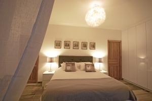 Jak dobrać oświetlenie do sypialni? [Fot. Corinne Bomont - Fotolia.com]