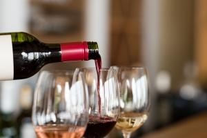Jak dobrać wino stosownie do okazji? [Fot. Rido - Fotolia.com]