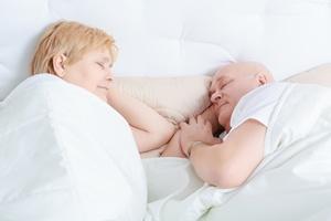 Jak dobrze się wyspać we dwoje? [© zinkevych - Fotolia.com]